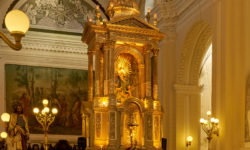 "Gold in catholic ""Cathedral of the Assumption of Mary"" in Leon"